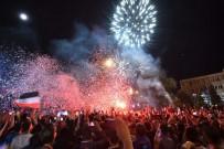 YILDIZ TİLBE - Şampiyonluğunu İlan Eden UTAŞ Uşakspor Coşkuyla Karşılandı