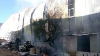 İTFAİYE ARACI - Antalya Serbest Bölgede Yangın (1)