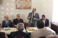 Bitlis Valisi Esnafla Kahvaltıda Bir Araya Geldi