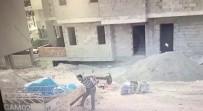 Cuma Namazını Fırsat Bilip 15 Bin Liralık Demir Çaldı