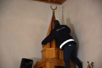 Dursunbey'de 174 Cami Belediye Tarafından Temizleniyor