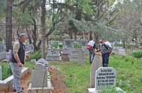 YARBAŞı - Gölbaşı İlçesinde Mezarlıklar İlaçlandı