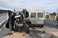 SOMA - Kırkağaç'ta 3 Araç Birbirine Girdi Açıklaması 9 Yaralı