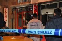 GAZ SIKIŞMASI - Konya'da Mutfak Tüpü Patladı Açıklaması 2 Yaralı