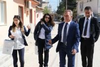 PAŞAKÖY - Manisa Büyükşehir'in 'Sosyal Doku' Ekibi Kapı Kapı Geziyor