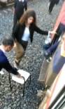 Perona Yanaşamayan Trene Yolculardan Sandalyeli Çözüm