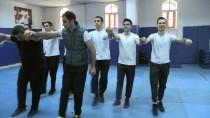 YAVUZ BİNGÖL - Polislerin Sanatsal Faaliyetleri Takdir Topluyor