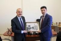 Rektör Karacoşkun Öğretim Üyeliğine Atanan Akademisyenlerine Kutlama