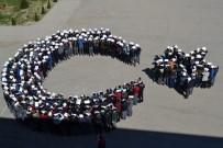 Şehidin Mezun Olduğu Okulun Öğrencilerinden Ay Yıldızlı Gösteri