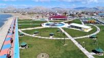 OTOPARK SORUNU - Tuşba Belediyesi'nin, '15 Temmuz Şehitler Parkı' Cıvıl Cıvıl