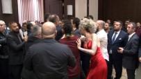 PEKER AÇIKALIN - Ünlü DJ Berna Öztürk'e Galada Saldırı
