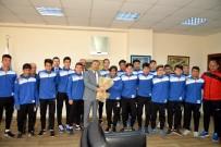 CENTİLMENLİK - Akdeniz'in Şampiyon Futbolcuları Türkiye Şampiyonası İçin Osmaniye'ye Uğurlandı