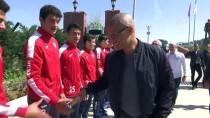 MEHMET ÖZKAN - Alex, Altınordu Kulübünü Ziyaret Etti