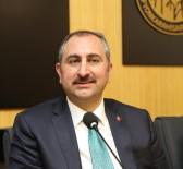 Bakan Gül, Mehmetçiğe Moral Ziyaretinde Bulunan Sanatçıları Eleştiren Kılıçdaroğlu'na Cevap Verdi Açıklaması