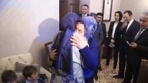 MAĞDUR KADIN - Bakan Kaya, İstismar Mağduru Anneyi Çocuklarına Kavuşturdu