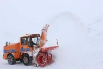KARLA MÜCADELE - Doğu'da Nisan Ayında Karla Mücadele Çalışmaları Devam Ediyor
