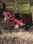 Kamyona Çarpan Otomobil Şarampole Yuvarlandı Açıklaması 2 Yaralı
