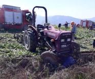 SU KANALI - Kullandığı Traktörün Altında Kalan Çiftçi Hayatını Kaybetti