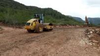 KARLA MÜCADELE - Mersin Kırsalında Yeni Yol Çalışmaları Devam Ediyor