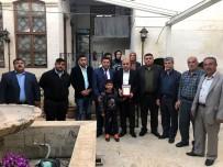 SİVİL ŞEHİT - Sivil Şehit Ve Gazi Aileler Derneğinden Başkan Kara'ya Plaket