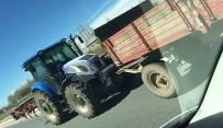 Traktörle Ters Yönde Giden Sürücü Herkesi Tehlikeye Attı