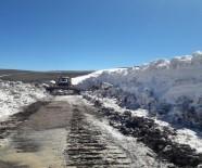 KARLA MÜCADELE - Batıda Bahar, Ağrı'da Karla Mücadele