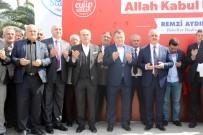 KADIR TOPBAŞ - Eyüpsultan'da Mehmetçik İçin 15 Bin Lokum Dağıtıldı
