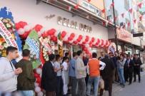 MESUT KARATAŞ - Meşhur Tatlıcının Açılışında Ücretsiz Tatlı Dağıtıldı
