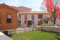SAVAŞ ÜNLÜ - Restorasyonu Tamamlanan Hacı Hüsrev Camii İbadete Açıldı