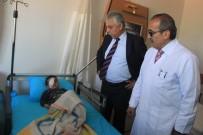 HAKKARİ VALİSİ - Sınır'da İlk Göz Ameliyatı Yapıldı
