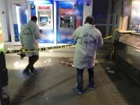 BIÇAKLI SALDIRI - Tartıştığı 2 Kişiyi Bıçakladı