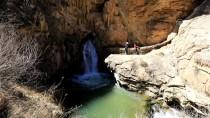 ŞELALE - Van'ın 'Pamukkalesi' Ziyaretçilerini Ağırlıyor