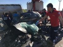 Adana'da Tır Ve Otomobil Çarpıştı Açıklaması 1 Ölü, 1 Yaralı