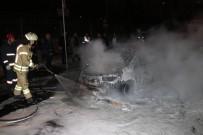E5 KARAYOLU - Bakırköy'de Ticari Taksi Alev Alev Yandı