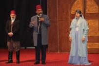 MURAT ÖZTÜRK - Elazığ'da 'Usta' Oyunu Sahnelendi