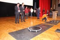 İLYAS ÇAPOĞLU - Erzincan Üniversitesi'nde Robotlar Yarıştı