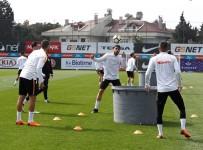 FLORYA - Galatasaray Gençlerbirliği Hazırlıklarını Sürdürdü