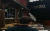 Gemi Kazansında Restoranda Panik Anları Kamerada