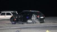 Kaza Yapan Araçlara Başka Araç Çarptı Açıklaması 2 Ölü 2 Yaralı