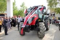 HASAN GÜLER - Traktörle Gelin Konvoyu Sürprizi