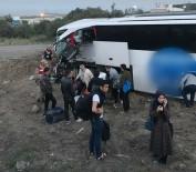 YOLCU OTOBÜSÜ - Yolcu Otobüsü İle Tır Çarpıştı