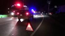 ELEKTRİK TRAFOSU - Balıkesir'de Trafik Kazası Açıklaması 3 Ölü