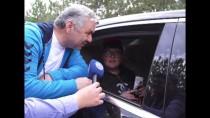 ÖMER ÖZKAN - Büyükşehir Belediye Başkanından Yolda Kalan Gençlere Jest