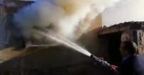Doğubayazıt'ta Çıkan Yangında Bir Ev Küle Döndü