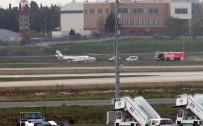 KERİMCAN DURMAZ - Kerimcan Durmaz Da Uçaktaydı Açıklaması Yangın Çıktı