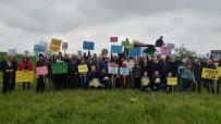 OSB'nin Durdurulma Kararını Göbek Atarak Kutladılar