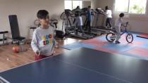 BOWLING - Özel Çocukların Hayatlarına Spor Dokunuşu