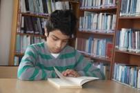 BİLİM ADAMI - Bu Çocuğa Kitap Dayanmıyor
