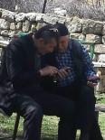 TEKMEN - Sivaslı Amcaların Akıllı Telefonla İmtihanı