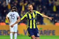 ROBERTO SOLDADO - Soldado, Fenerbahçe'yi Sırtlıyor
